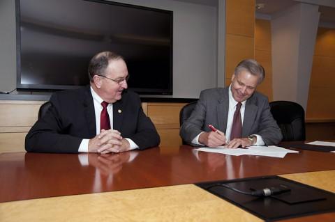 FHU President Joe Wiley (L) and Jackson Foundation President Doug Jackson.