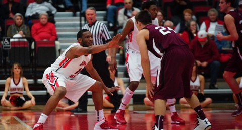 Austin Peay Men's Basketball square-off against SIU Edwardsville on Saturday. (Michael Rios Clarksville Sports Network)