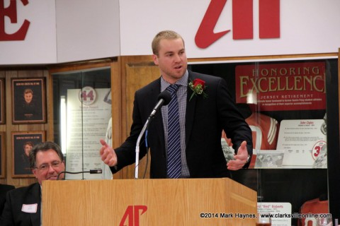 Shawn Kelley speaking at the APSU Athletics Hall of Fame banquet.