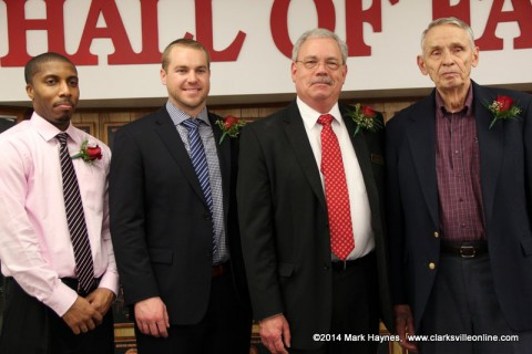 APSU Athletics Hall of Fame inducties (L to R) Nick Stapleton, Shawn Kelley, Brad Kirtley, and Reedy Sears (accepted by brother Johnny Sears).
