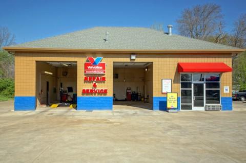 Valvoline Complete Car Care 2516 Wilma Rudolph Blvd (Michael Rios Clarksville Online)