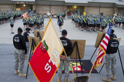 The 101st Special Troops Battalion, 101st Sustainment Brigade, 101st Airborne Division Air Assault, memorialized five fallen heroes from the battalion with a run April 16, at Fort Campbell. (U.S. Army photo by Sgt. Sinthia Rosario, 101st Sustainment Brigade Public Affairs)