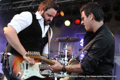 Randy Houser performing at the 2014 Rivers and Spires Festival on Saturday