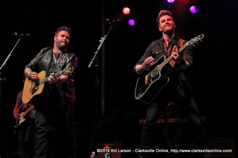 The Swon Brothers performing at the 2014 Rivers and Spires Festival Friday Night