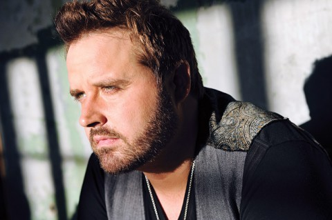 Randy Houser takes the stage tonight at the 2014 Rivers and Spires Festival.