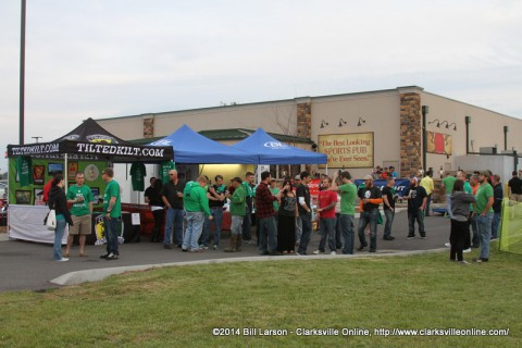 The Nashville Chive Unofficial Meetup's festivities begin outside the Clarksville Tilted Kilt Location