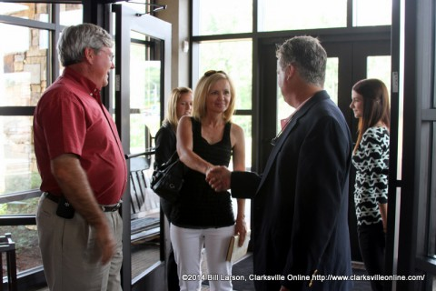 Darby Campbell welcomes Congresswoman Marsha Blackburn to the Liberty Park Grill