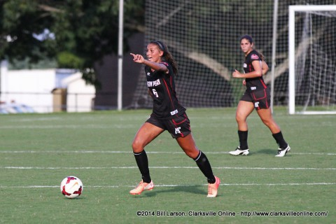 Austin Peay defeats Chattanooga 5-2 in women's soccer action Sunday.