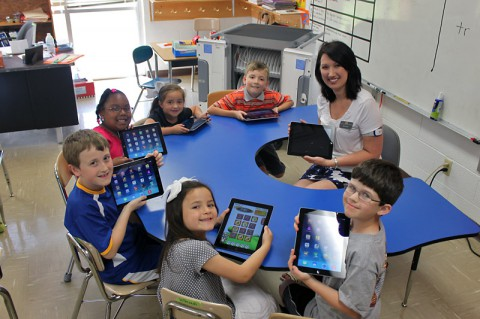 Barksdale Elementary class with iPads donated by First Advantage Bank.