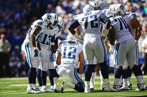 Tennessee Titans quarterback Charlie Whitehurst (12) huddles the offense during the second quarter against the Indianapolis Colts at Lucas Oil Stadium.  (Andrew Weber-USA TODAY Sports)