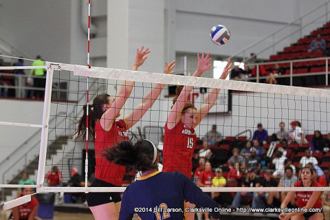 Austin Peay Women's Volleyball wins third straight at DISH Lady Vol Classic.