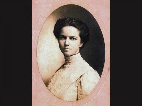 Elizabeth Meriwether Gilmer who wrote under the pen name Dorothy Dix.