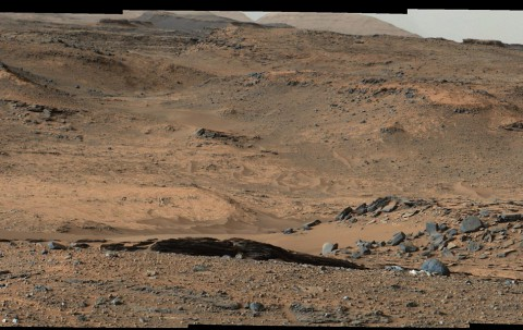 "This image from NASA's Mars Curiosity rover shows the ""Amargosa Valley,"" on the slopes leading up to Mount Sharp on Mars. (NASA/JPL-Caltech/MSSS)"