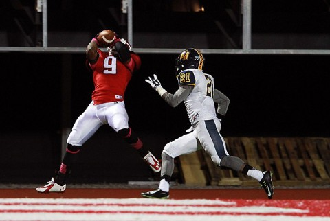 Austin Peay wide receiver Jared Beard catches a 30 yard touchdown pass from quarterback Mickey Macius in the 2nd quarter against Murray State. (APSU Sports Information)
