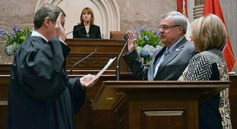 Curtis Johnson being sworn as a member of the 109th Tennessee General Assembly