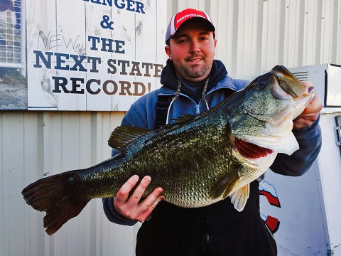 Gabe Keen holds his new state record bass caught on Chickamauga Lake on February 13th. The record fish broke the previous mark which stood for more than 60 years. (Richard Simms, Scenic City Fishing Charters)