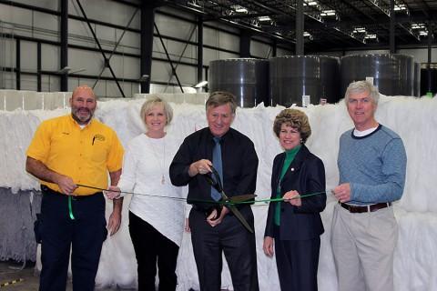 Green ribbon cutting for Avanti Manufacturing.