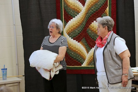 Charlie Rhea talks about quilting during the Rivers and Spires Quilts of the Cumberland event.