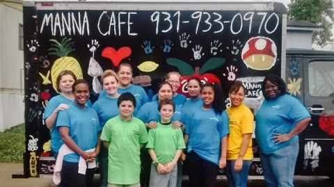 The Campbell Crossing team had a great time volunteering with Manna Café!