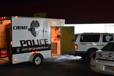 Clarksville Police Officers investigate shooting in the area of Bel Aire Park. (Sergeant Terry Minton)