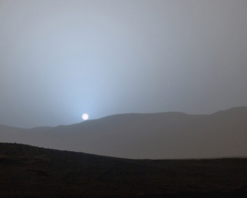 NASA's Curiosity Mars rover recorded this view of the sun setting at the close of the mission's 956th Martian day, or sol (April 15th, 2015), from the rover's location in Gale Crater. (NASA/JPL-Caltech/MSSS)