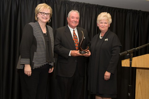 APSU President Alisa White and Tennessee Board of Regents Vice Chair Emily Reynolds present Wayne Pace ('68) with the 2015 Regents Award for Excellence in Philanthropy. (Beth Liggett/APSU)
