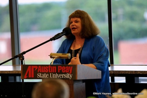 Sharyn McCrumb speaks at the Clarksville Writers Conference banquet after receiving the Patricia Winn Award for Southern Fiction.