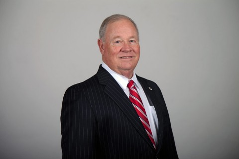 Austin Peay executive director for University Advancement Roy Gregory to retire.