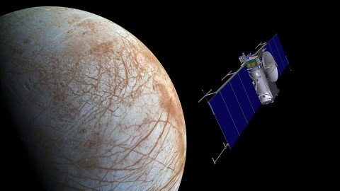 Artist concept of NASA's Europa mission spacecraft approaching its target for one of many flybys. (NASA/JPL-Caltech)