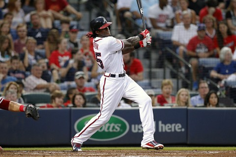 Atlanta Braves center fielder Cameron Maybin (25) hits a RBI single against the Philadelphia Phillies in the fourth inning at Turner Field. (Brett Davis-USA TODAY Sports)