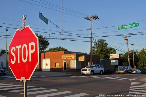 Traffic Signal out at Crossland Avenue and Cumberland Drive Intersection for the next few days.