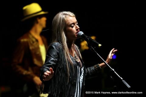 Brooke Eden on the Miller Lite Stage.