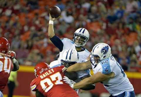 Tennessee Titans quarterback Marcus Mariota (8) throws a pass against the Kansas City Chiefs in the first half at Arrowhead Stadium. (John Rieger-USA TODAY Sports)