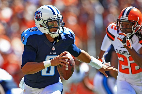 Tennessee Titans quarterback Marcus Mariota (8) scrambles out of the pocket during the first quarter against the Cleveland Browns at FirstEnergy Stadium. (Andrew Weber-USA TODAY Sports)
