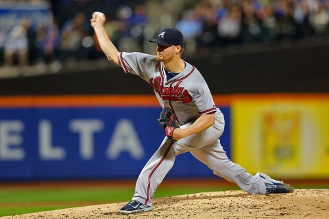 Atlanta Braves starting pitcher Shelby Miller (17) pitches against the New York Mets during the second inning at Citi Field. (Brad Penner-USA TODAY Sports)
