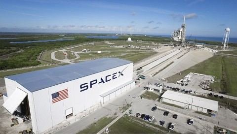 Launch Pad 39A at NASA's Kennedy Space Center in Florida undergoes modifications by SpaceX to adapt it to the needs of the company's Falcon 9 and Falcon Heavy rockets, which are slated to lift off from the historic pad in the near future. A horizontal integration facility has been constructed near the perimeter of the pad where rockets will be processed for launch prior of rolling out to the top of the pad structure for liftoff. SpaceX anticipates using the launch pad for its Crew Dragon spacecraft for missions to the International Space Station in partnership with NASA's Commercial Crew Program. (SpaceX)