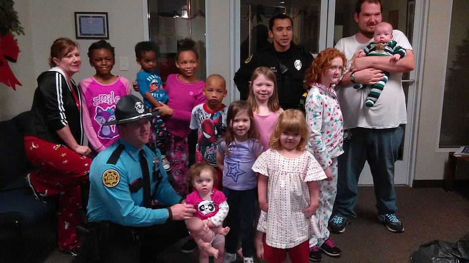 Clarksville officers, Sheriff\'s Deputies and 911 Dispatchers bring ...