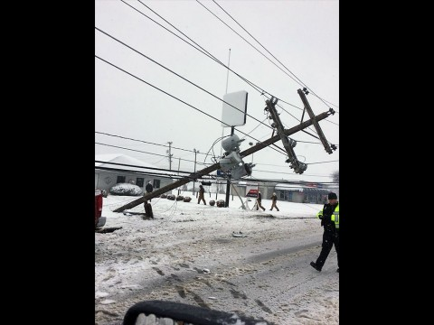A downed pole caused a power outage on the south side of Clarksville. (CDE)
