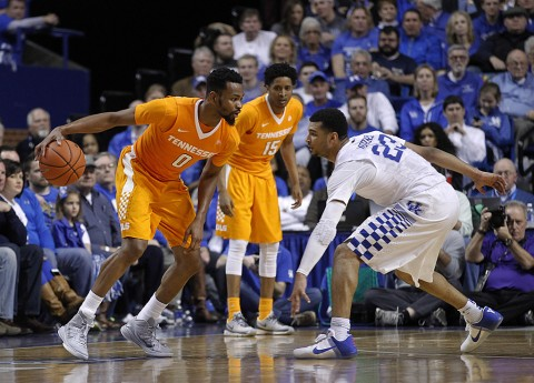 Tennessee Volunteers guard Kevin Punter (0) dribbles the ball against Kentucky Wildcats guard Isaiah Briscoe (13) in the second half at Rupp Arena. Kentucky defeated Tennessee 80-70. (Mark Zerof-USA TODAY Sports)