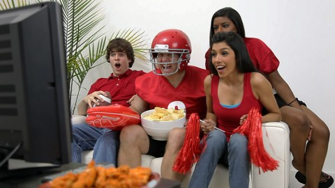 Take precautions to ensure a Safe Super Bowl Party.