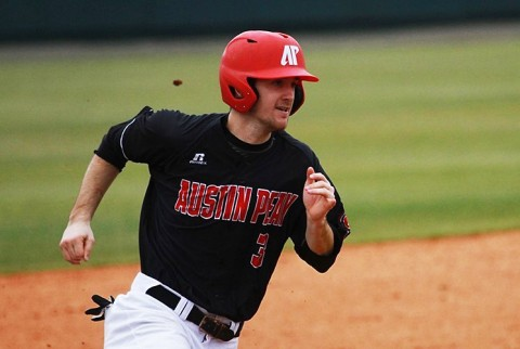 Austin Peay Baseball rolls over Western Kentucky Hilltoppers Tuesday, 16-2. (APSU Sports Information)