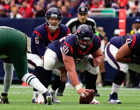 Houston Texans center Ben Jones (60) agrees to multi year contract with the Tennessee Titans. (Ray Carlin-USA TODAY Sports)