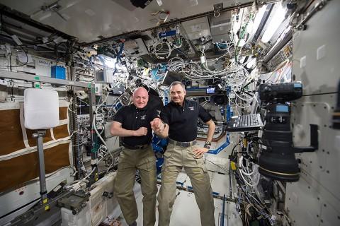 NASA astronaut Scott Kelly and Russian cosmonaut Mikhail Kornienko aboard the International Space Station. (NASA)