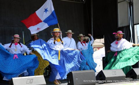 The Ballet Folklorico Viva Panama performed on the Third and Main Stage at this year's Rivers and Spires Festival.