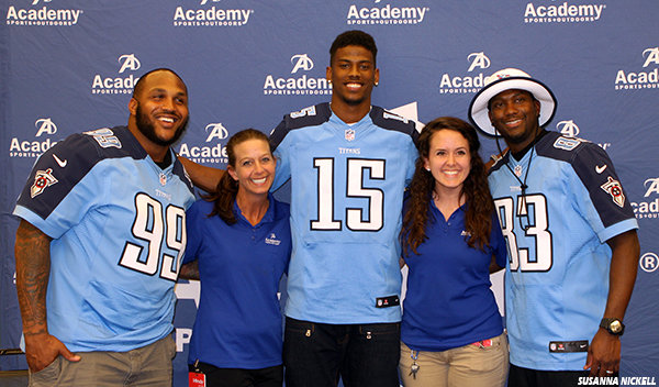 Tennessee Titans Jurrell Casey Justin Hunter And Harry Douglas With Academy Sports
