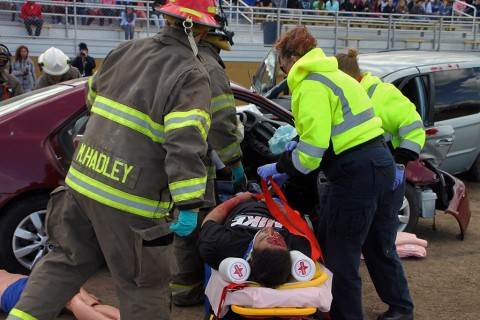 Mock Texting and Driving Crash held at Kenwood High School to show students the possible dramatic results of texting while driving. (CPD)