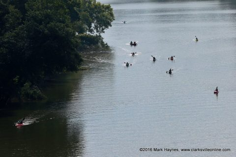 Rally on the Cumberland participates coming down the Cumberland River.