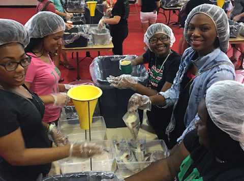 APSU students packed 10,000 meals during the first Freshman Service Project of the Year.