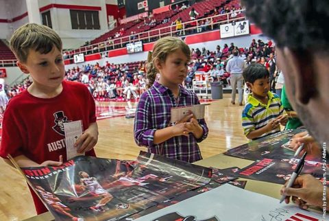 "Austin Peay Men and Women's Basketball teams to hold a ""Sneak Peayk"" on October 25th. (APSU Sports Information)"
