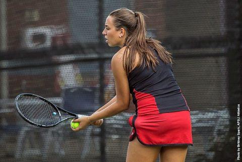 Austin Peay's Isabela Jovanovic wins her bracket at Evansville Metro Collegiate Invitational. (APSU Sports Information)